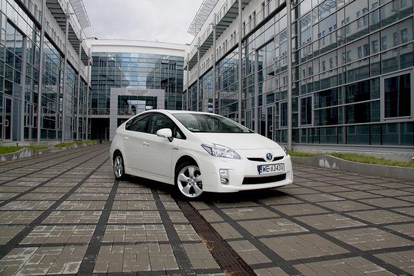 Samochód prawie elektryczny