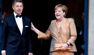 Kanclerz Niemiec w wieczorowej stylizacji