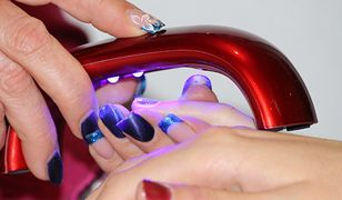 Trwałość manicure hybrydowego powoduje problemy z usunięciem lakieru