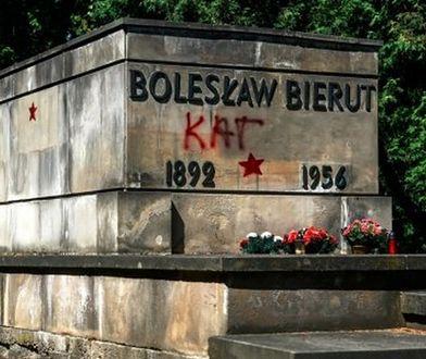 Znieważyli m.in nagrobek Bieruta na Powązkach. Jest decyzja sądu