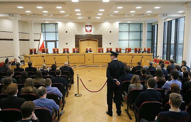 Główne przepisy nowelizacji ustawy o TK niezgodne z konstytucją. Ekspert: to orzeczenie powinno zamknąć spór
