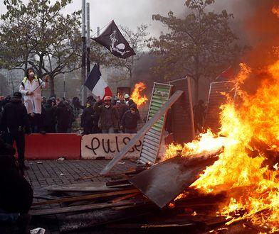 """Żółte kamizelki"" wróciły na ulice Paryża"