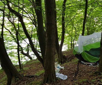 Rozbijając obóz w takim miejscu, turyści z Poznania prosili się o kłopoty