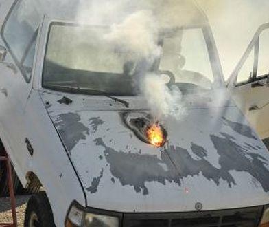Tak wygląda auto, po wystrzale z lasera o mocy 100 kW produkcji Lockheed Martins