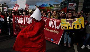 Demonstracja za złagodzeniem przepisów aborcyjnych w Dublinie