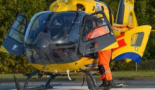 Szprotawa: helikopter LPR zabrał do szpitala 11-miesięczną dziewczynkę, potrąconą na parkingu