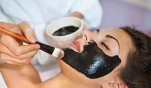 Maska na wągry. Przepisy na czarne maseczki na wągry i do skóry trądzikowej