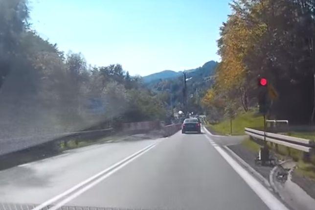 Przerażające nagranie z budowy drogi. Kierowcy nagminnie nie stosują się do przepisów