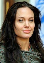 Angelina Jolie nie zapomni o rodzinie