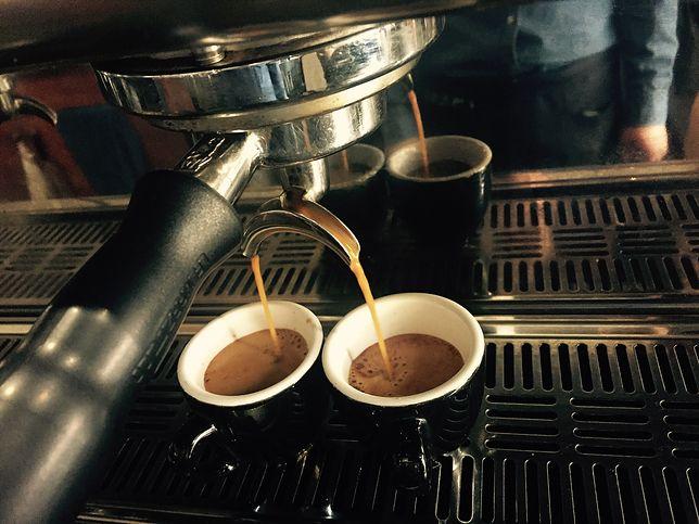 Kawa to napój przyrządzany z palonych, a następnie zmielonych ziaren kakaowca, zwykle podawany na gorąco. Przepisy z kawą