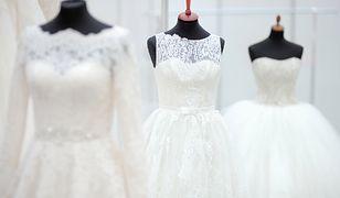 Marka Pronovis pokazała wyjątkową suknie ślubną, która zebrała same nieprzychylne recenzje