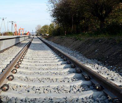 Tragedia na przejeździe kolejowym. Nie żyje 18-latek