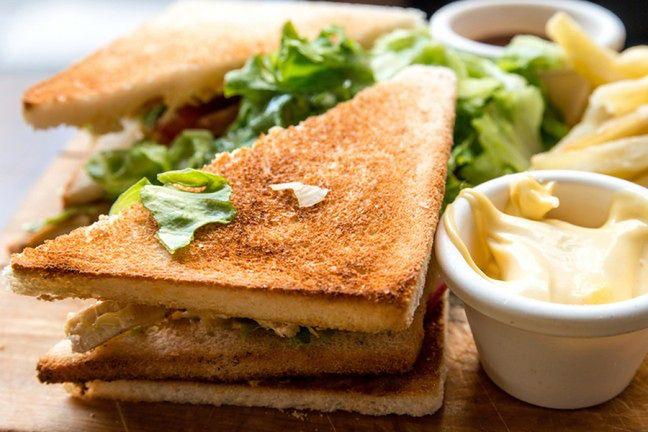 Pełnoziarnisty tost