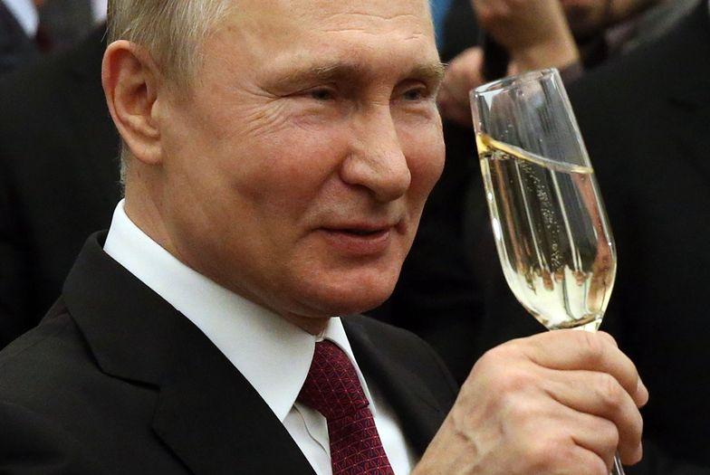 """Putin ma gest! """"Prezent ślubny w wysokości 380 mln dolarów"""""""