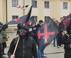 """""""Faszyści i neonaziści znowu na ulicach Białegostoku"""". Policja zablokowała marsz"""