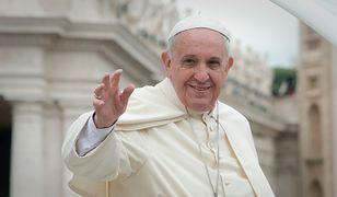 Papież wysłał list do homoseksualnej pary. Mężczyźni zupełnie się tego nie spodziewali