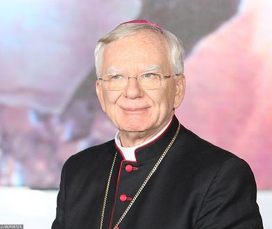 """Arcybiskup Marek Jędraszewski przyznał, że spotyka się z zarzutami za porównanie ideologii LGBT do """"tęczowej zarazy"""""""