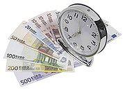 Analitycy do kredytobiorców: frank szybko nie potanieje