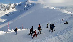 """""""Ze względu na bardzo trudne warunki do uprawiania turystyki odradzamy wszelkich wyjść w góry"""" - poinformował TPN"""