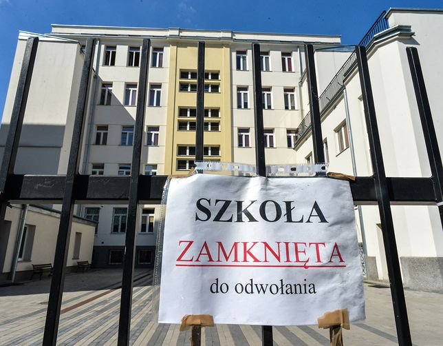Szkoły nie mają żadnego kontaktu z częścią uczniów. Rzecznik Praw Obywatelskich Adam Bodnar interweniuje