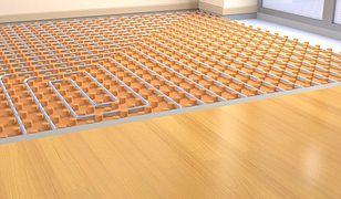 Ogrzewanie podłogowe. Płytki ceramiczne czy drewno?