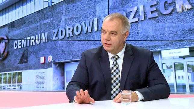 Jacek Sasin: łatwiej było naprawić wojsko niż służbę zdrowia. PiS podwyższy pensje pielęgniarkom?