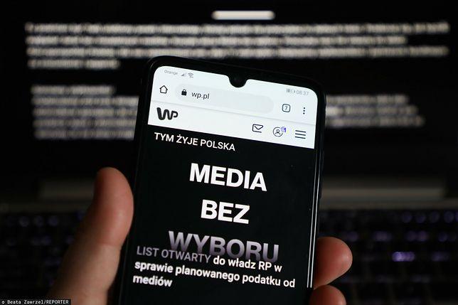 """""""Media bez wyboru"""" to ogólnopolska akcja protestacyjna branży medialnej. Do protestu mediów przyłączyła się także Wirtualna Polska."""