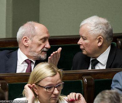 Antoni Macierewicz i Jarosław Kaczyński w Sejmie