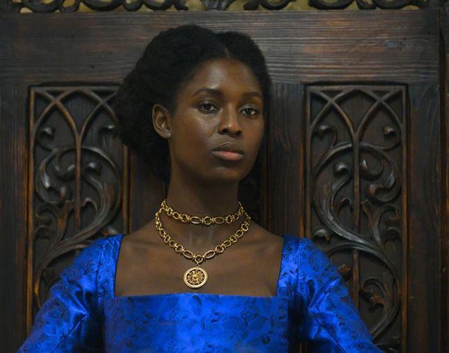 Jodie Turner-Smith w roli Anny Boleyn