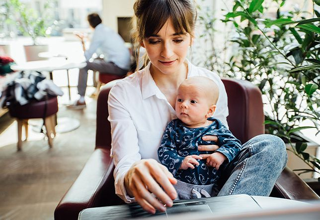 Mama wraca do pracy – dofinansowania i ułatwienia dla kobiet po urlopie macierzyńskim