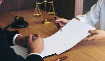 Praca jako radca prawny w Olsztynie — gdzie szukać i ile można zarobić?