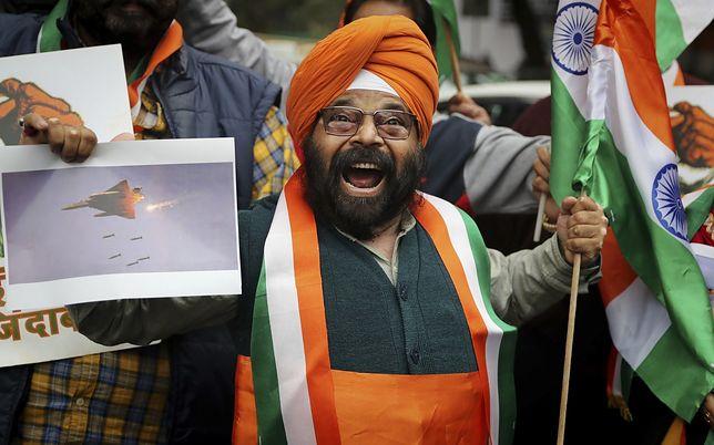 Nacjonalista w Indiach cieszy się z ataku na Pakistan