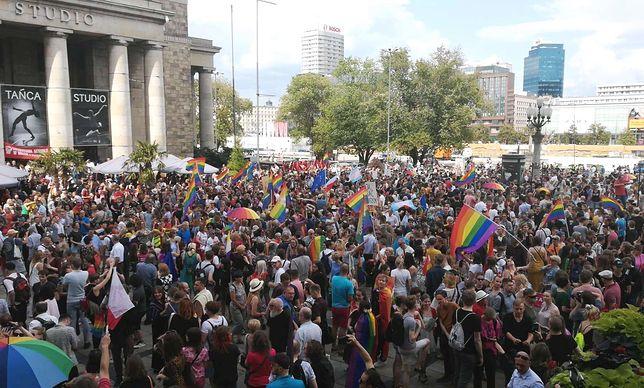 Warszawa solidarna z Białymstokiem. Setki osób na wiecu