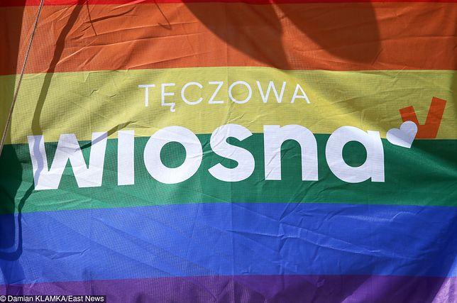Sopot. Michał Piękoś z Wiosny został zaatakowany za tęczową flagę