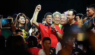 Rodrigo Duterte - ostry język, ostra amunicja, ostry prezydent Filipin