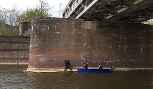 Szukali ciała Ewy Tylman pod filarami mostów i umocnieniami brzegowymi