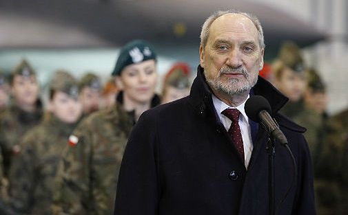 Szef MON Antoni Macierewicz chwali się sukcesami resortu