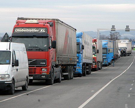Kierowcy zablokowali drogę do przejścia w Dorohusku