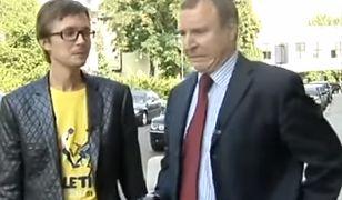 Jacek Kurski śpiewa hit z dyskotek