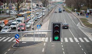 Zdaniem posła Pawła Szramki sygnalizacja świetlna w Polsce nie działa bezpiecznie