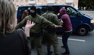 Białoruś. Polacy wiedzą, kto katował ich w areszcie. Adwokat: To zbrodnia