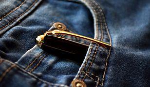 Jeans do biura musi być prosty i bardzo klasyczny