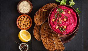 Hummus z pieczonych buraków