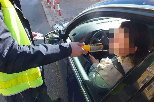 Nietrzeźwi kierowcy cały czas są dużym problemem na drogach.