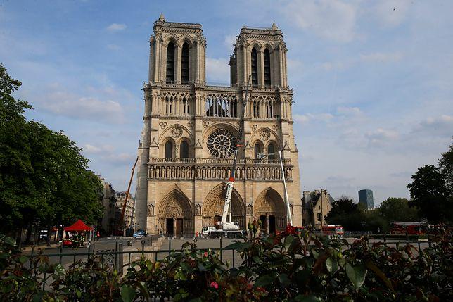 Katedra Notre Dame cztery dni po pożarze