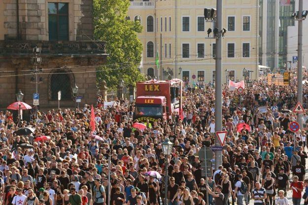 Ulicami Drezna przeszło pięć tysięcy osób