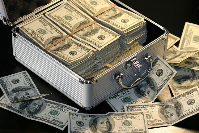 Rozrzutność amerykańskich polityków pozytywnie wpłynęła na dolara