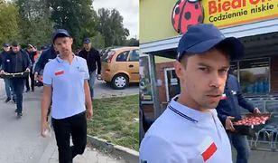 Rolnicy weszli do Biedronki w Warce, by podmienić owoce na te polskiej produkcji