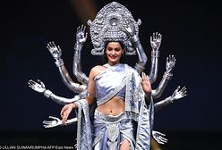 """Miss Universe 2018: """"Narodowe stroje"""" zaskakują. Swoim rozmachem mogą też śmieszyć"""