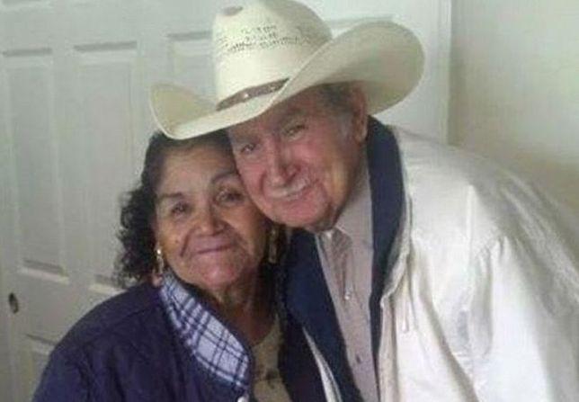 Zmarli po 55 latach małżeństwa trzymając się za ręce